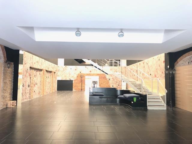 Funo Centergross (BO) – Affittasi capannone/showroom